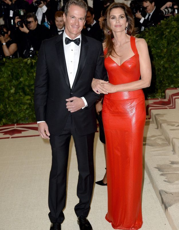 Rande Gerber et Cindy Crawford en Atelier Versace