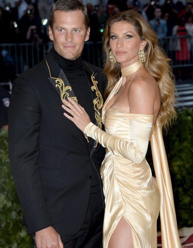 Tom Brady et Gisele Bündchen, tous les deux en Versace