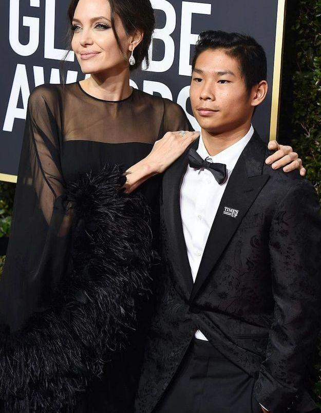 Angelina Jolie en Atelier Versace et Pax Thien