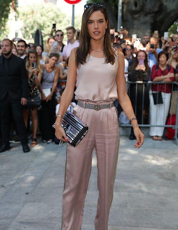 Alessandra Ambrosio au défilé Dolce & Gabbana