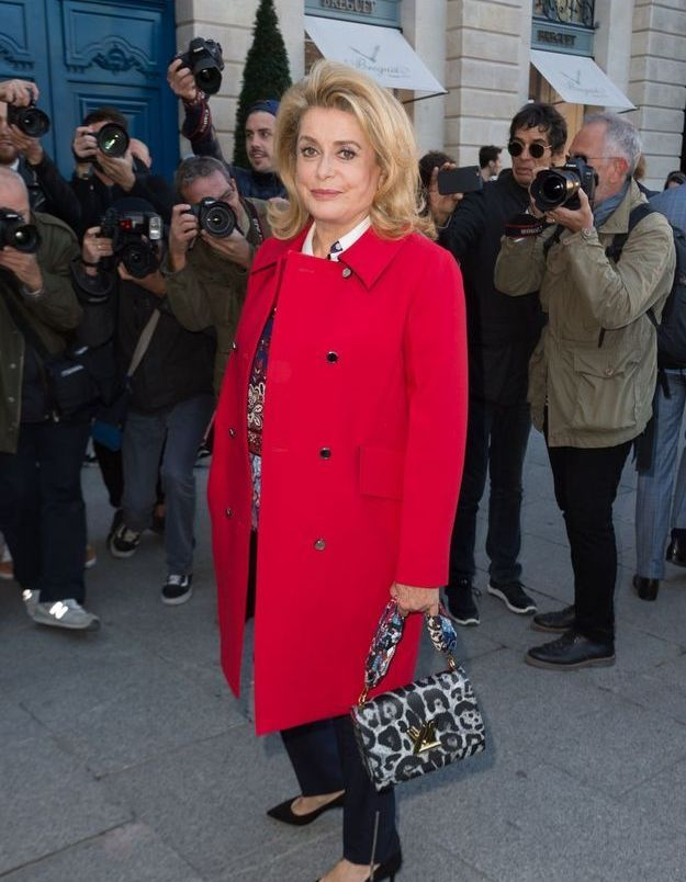 Catherine Deneuve au défilé Louis Vuitton