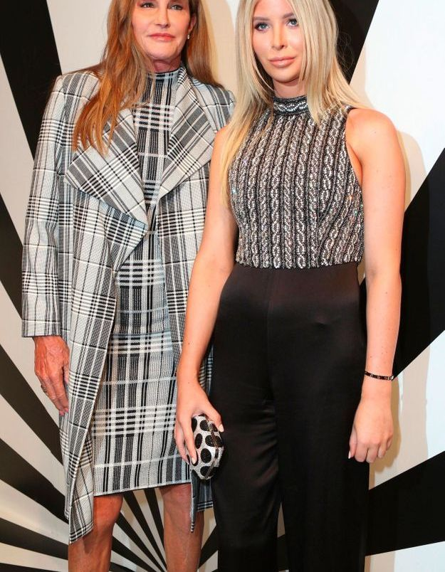 Sophia Hutchins et Caitlyn Jenner à la présentation Alice Olivia par Stacey Bendet