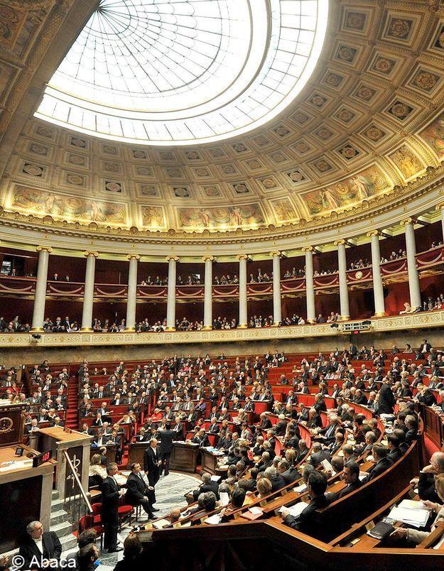 Assemblée nationale : «155 femmes, un record sous la Ve République»