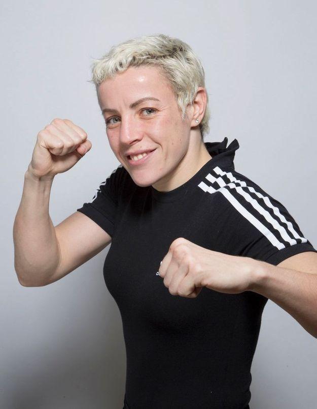 Maïva Hamadouche, championne du monde de boxe et policière : « J'ai l'impression que les personnes oublient que je suis une femme »