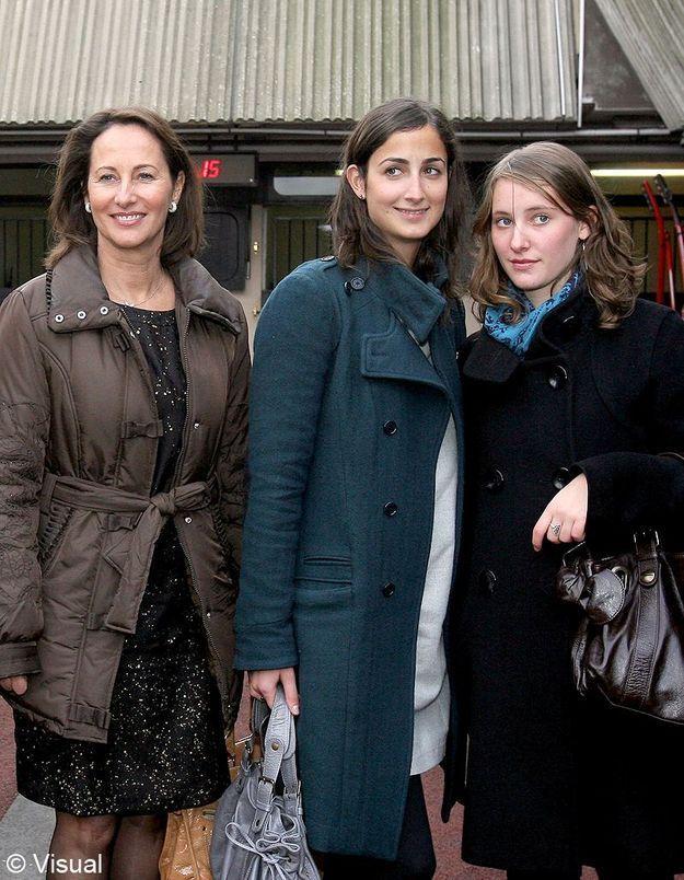 Ses deux filles, Clémence et Flora