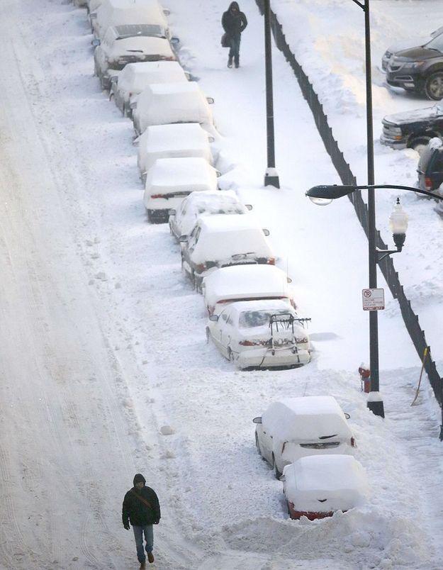 Une rue enneigée de Chicago