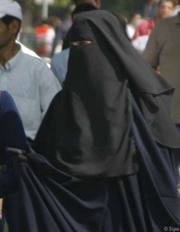 Arabie Saoudite : une femme défend la mixité à coups de poèmes