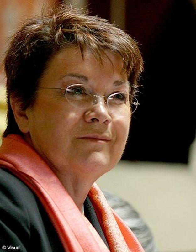 Michèle André : « Il est utile de légaliser la pratique des mères porteuses »