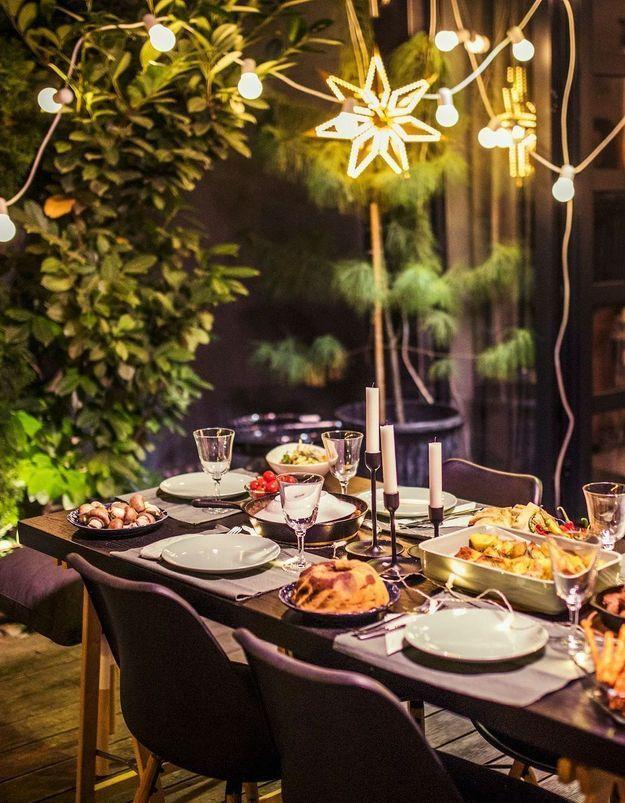6 à table à Noël : comment organiser les fêtes avec cette contrainte?