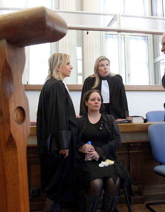 Acquittée après avoir tué son mari violent, elle témoigne