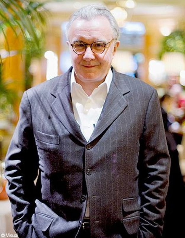 Alain Ducasse ouvre ses cuisines à 15 femmes de Sarcelles