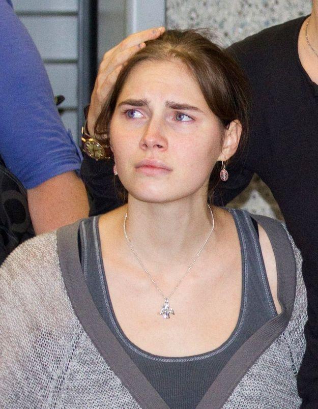 Amanda Knox a songé au suicide en prison