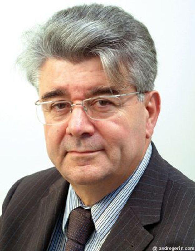 André Gérin réagit à la proposition de loi contre la burqa