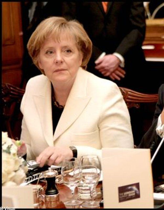 Angela Merkel, évacuée de chez elle après la découverte d'une bombe