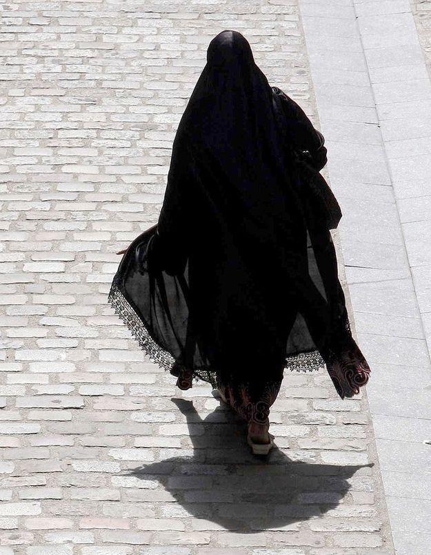 Argenteuil : la femme voilée agressée a perdu son bébé