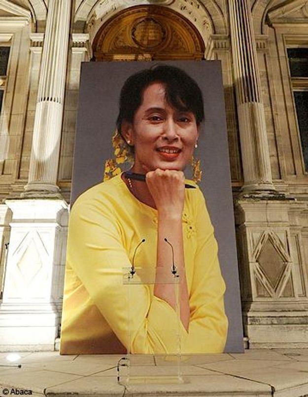 Aung San Suu Kyi pourrait-elle enfin sortir de chez elle ?