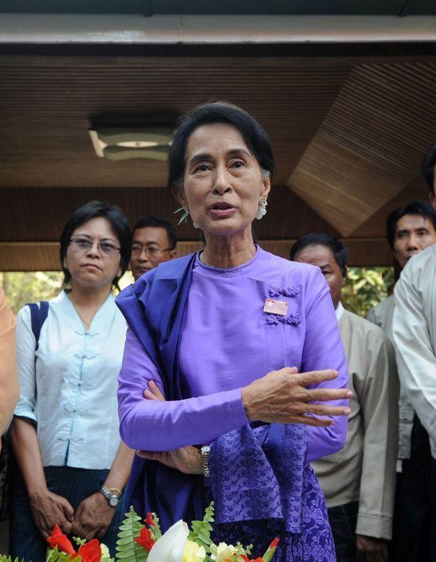 Birmanie : Aung San Suu Kyi réélue présidente de son parti