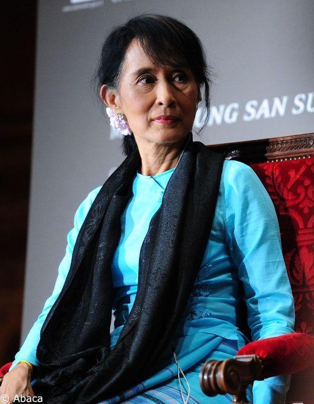 Birmanie : premier discours au Parlement pour Aung San Suu Kyi