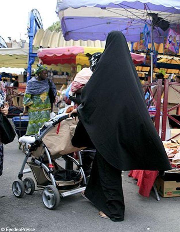 Burqa : Nicolas Sarkozy pour l'interdiction sans restriction