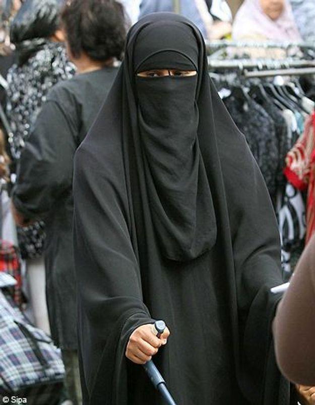 Burqa : un imam prend position pour une loi