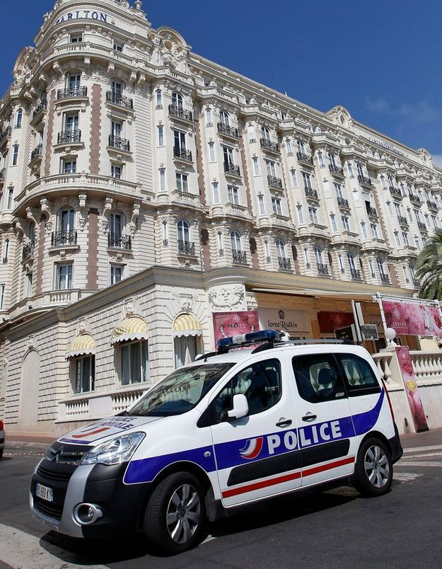 Cannes : des millions d'euros de bijoux dérobés au Carlton