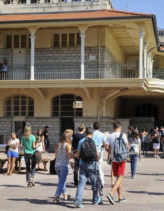 Carte scolaire : Vincent Peillon veut limiter les dérogations