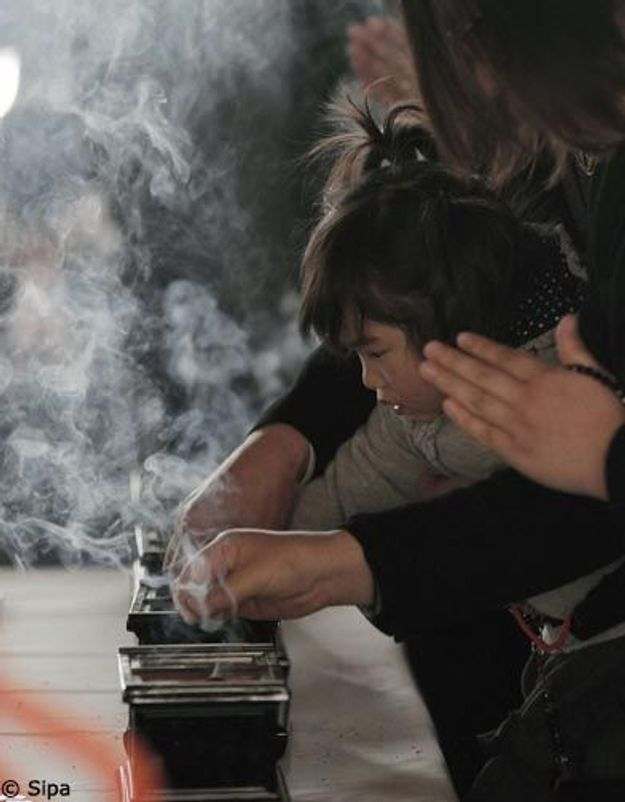 Catastrophe de Fukushima : un an après, le Japon se souvient