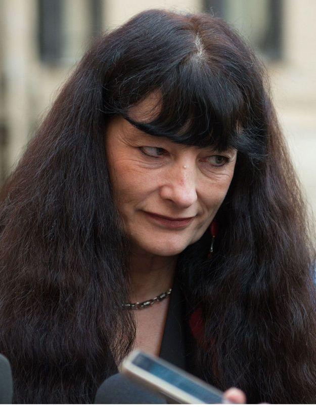 Charlie Hebdo : la DRH contrainte de partir de chez elle après avoir reçu des menaces