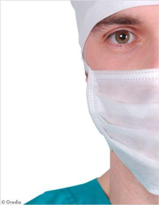 """Chirurgie esthétique : les """"nettoyeurs du web"""" à la rescousse"""