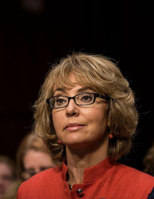 Contrôle des armes : Gabrielle Giffords soutient Obama