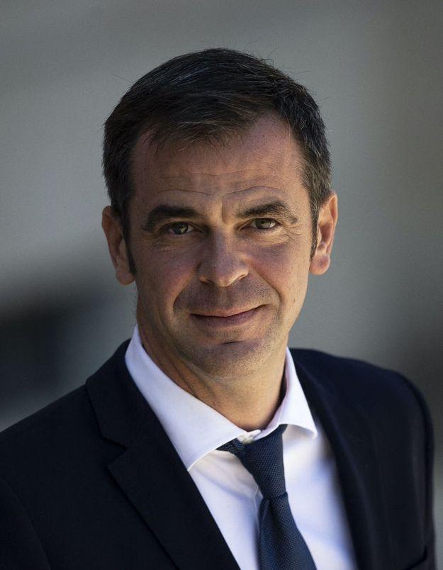 Coronavirus : Olivier Véran débloque 300 millions d'euros pour les médecins hospitaliers