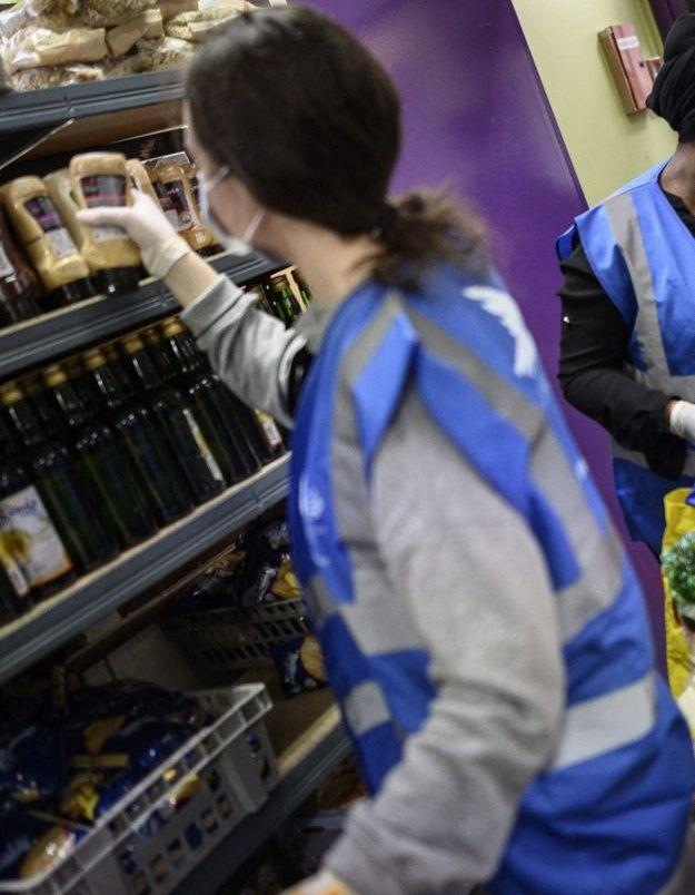 Covid-19 : le Secours populaire alerte sur l'explosion de la précarité en France
