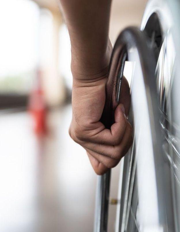 """Dans son livre """"Je vais m'arranger"""" Marina Carlos explique le validisme que subissent les personnes handicapées"""