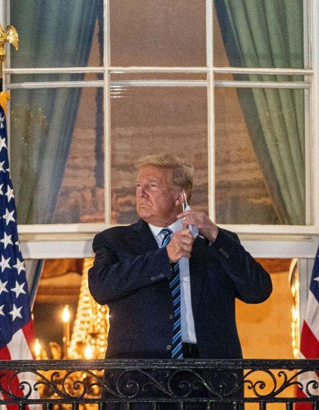 De retour à la Maison-Blanche, Donald Trump s'attire les foudres des médecins