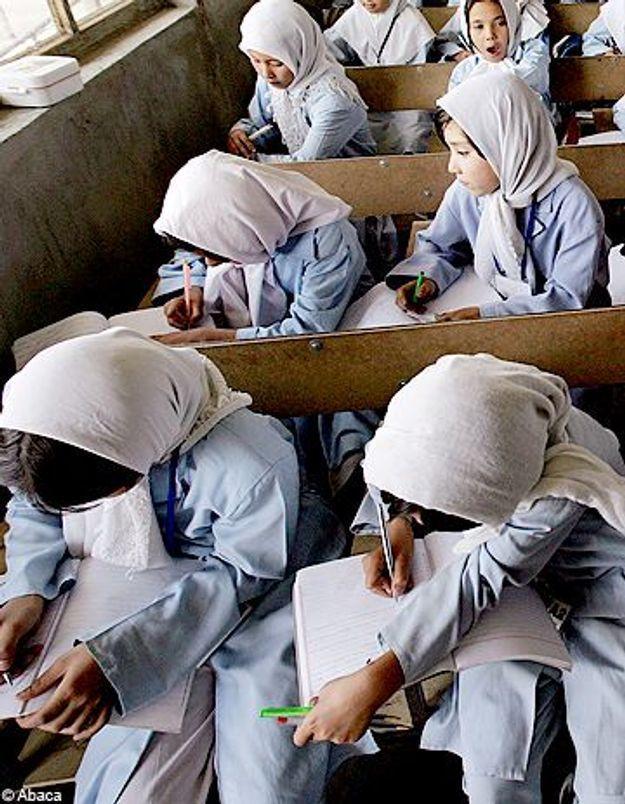 Des écolières afghanes empoisonnées par des talibans ?