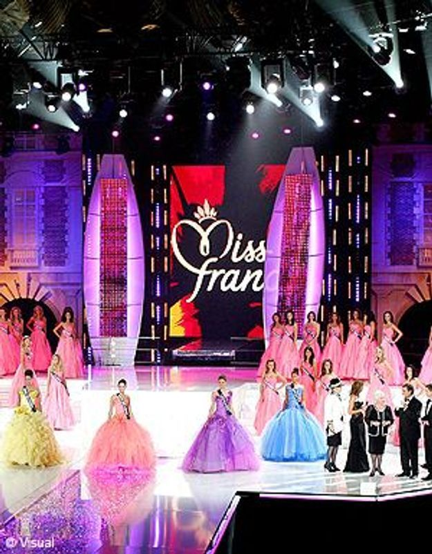 Destitution d'une miss : le comité Miss France homophobe ?