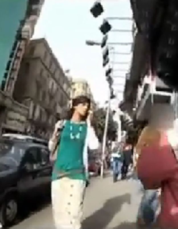 Egypte : il se déguise en femme pour dénoncer le harcèlement