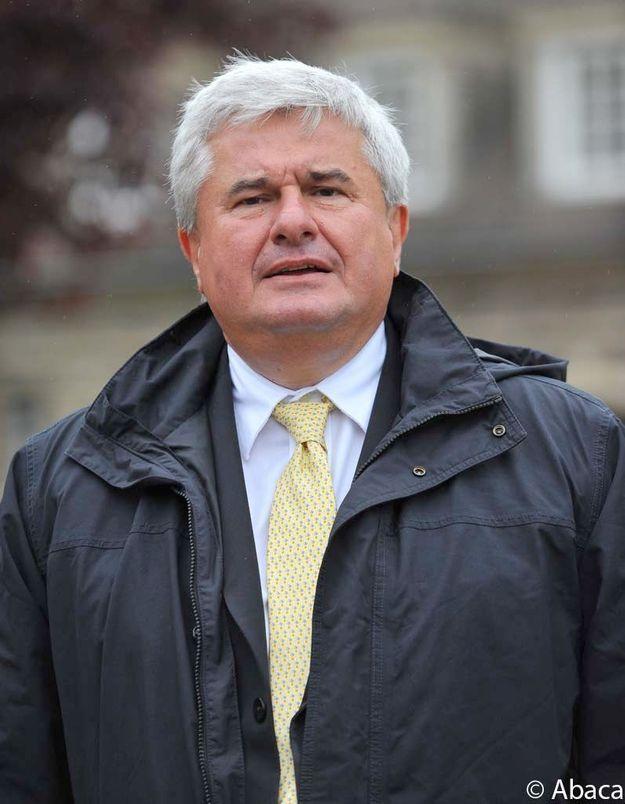 Eric Raoult jugé le 30 novembre pour violences conjugales