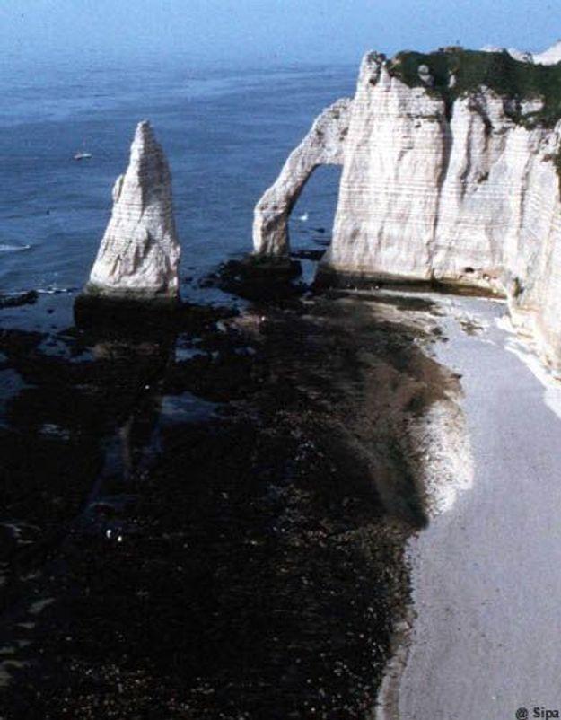 Etretat: la fillette tombée de la falaise est hors de danger