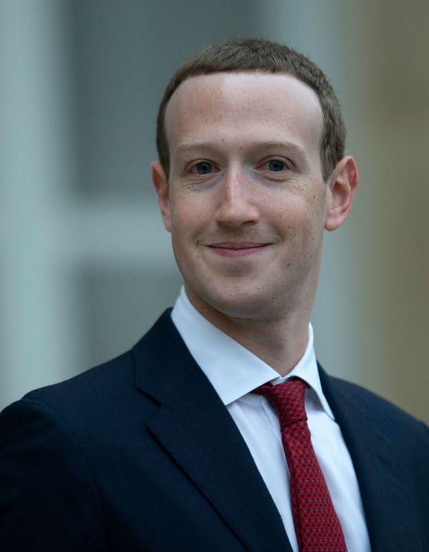 Facebook dévoile sa nouvelle politique de modération de contenus contre les propos haineux et mensongers