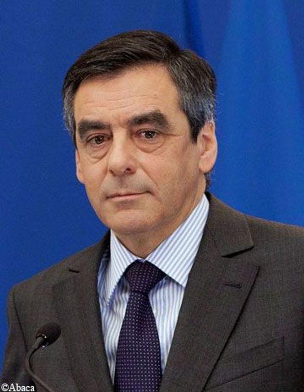 Fillon suggère à Hollande de soumettre son programme à Standard&Poor's