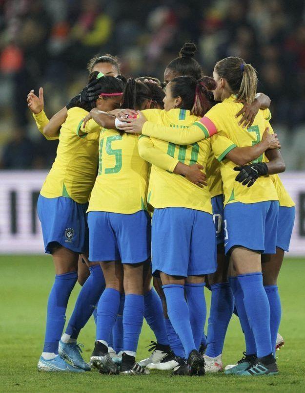Football : les joueuses brésiliennes remportent l'égalité salariale