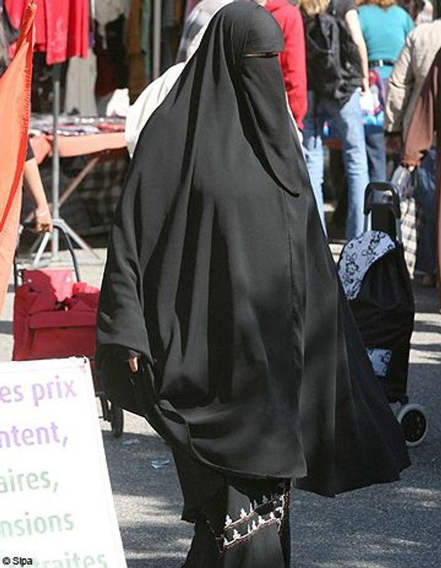 Il impose la burqa à sa femme : pas de nationalité française