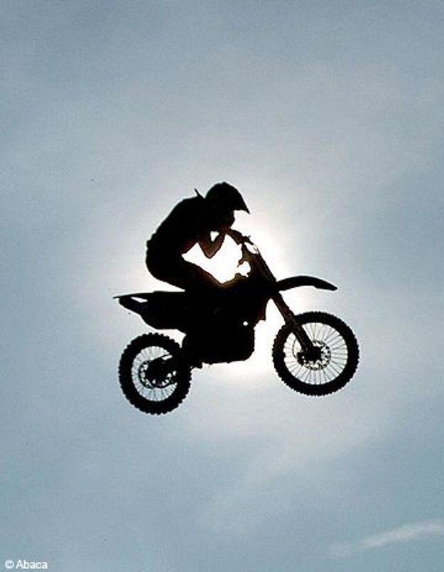 Interdit aux femmes, le moto-cross fait craquer les Iraniennes !