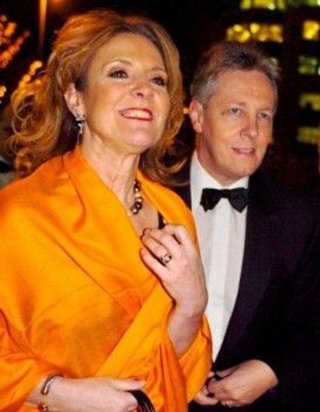 Irlande : le Premier ministre renonce à son poste suite aux frasques de sa femme