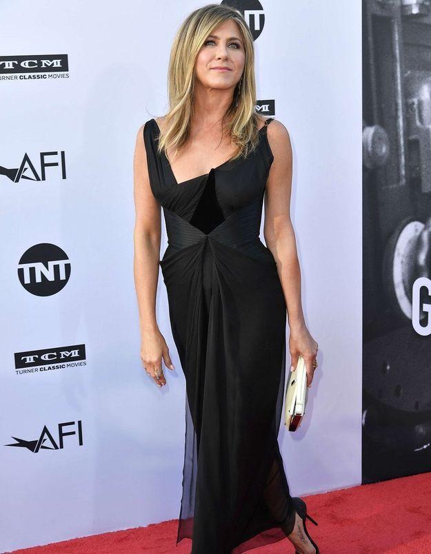 Jennifer Aniston : « On dit que je refuse d'avoir un bébé parce que je suis égoïste et obnubilée par ma carrière »