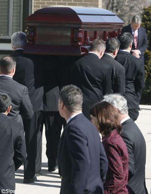 La journaliste de guerre Marie Colvin a été enterrée