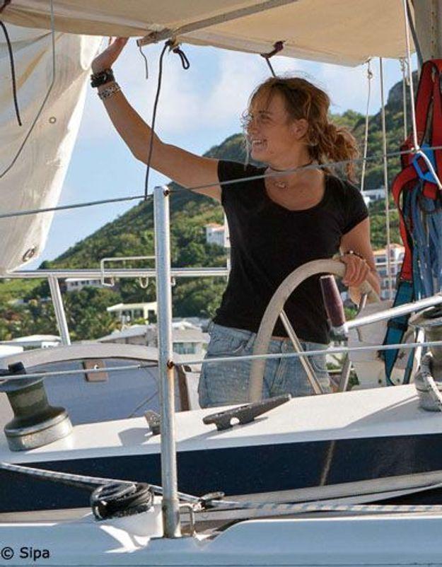 Laura Dekker, 16 ans, a fini son tour du monde à la voile