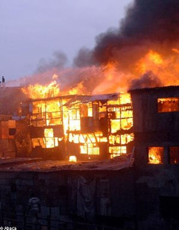 """Le bidonville de """"Slumdog Millionaire"""" incendié"""