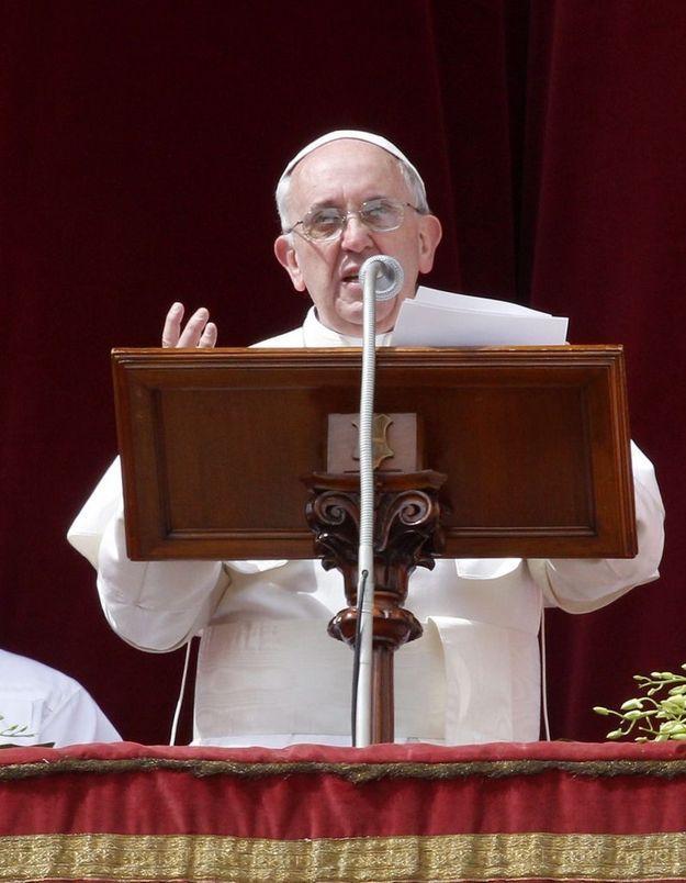 Le pape François rend hommage aux enfants otages